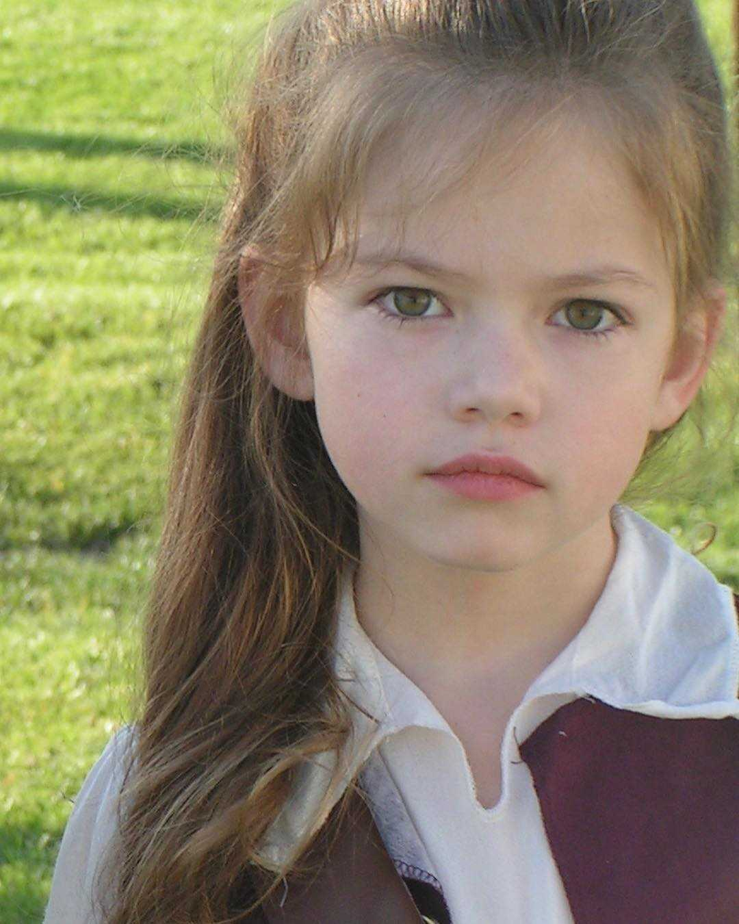 20 Transformations of Mackenzie Foy, A Daughter of Bella in Twilight